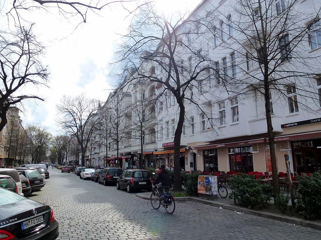 Cyclist on Simon-Dach-Straße