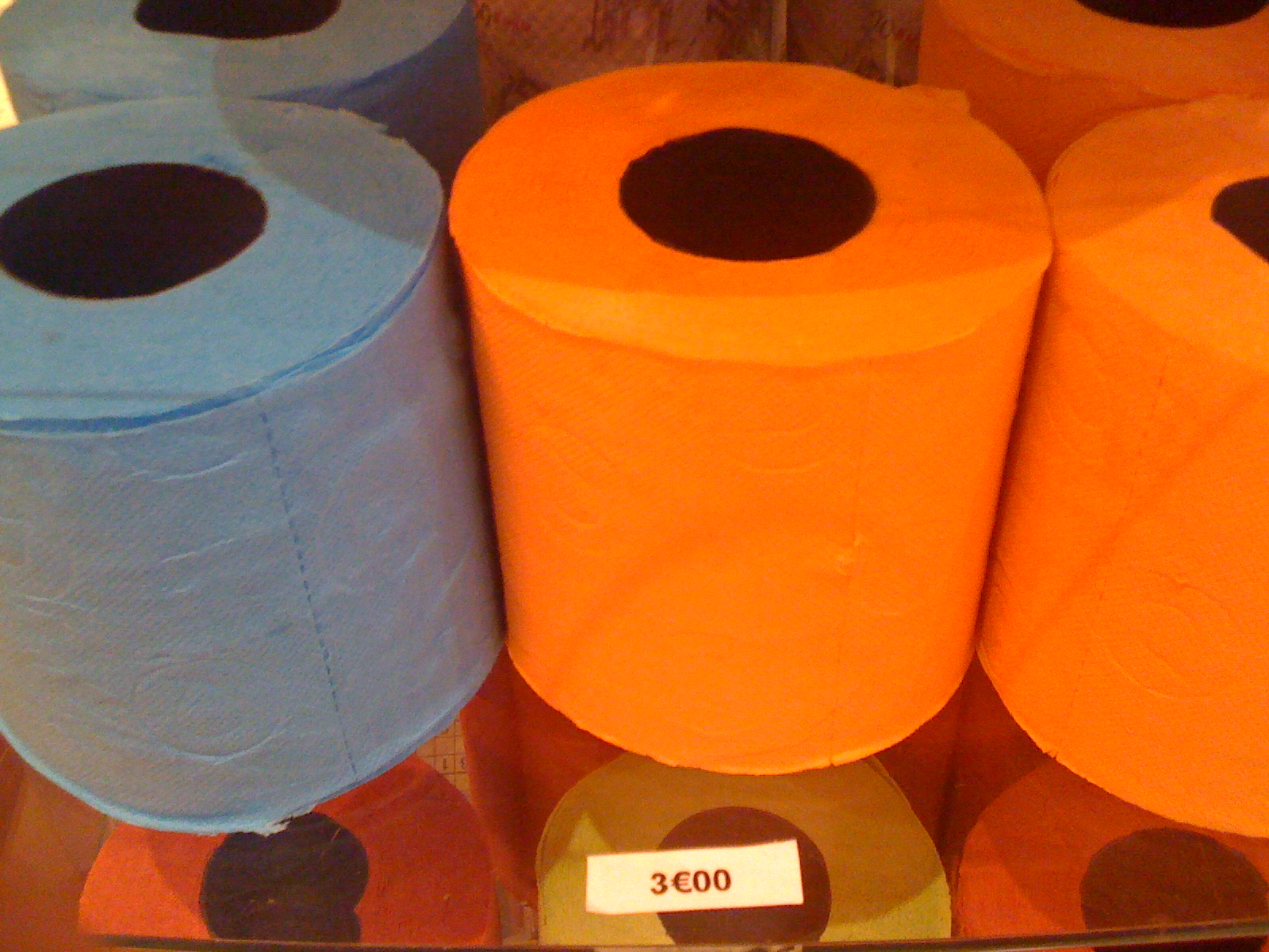 colored toilet paper with 3€ price tag